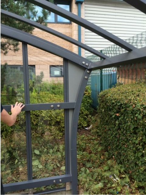 Vertical polycarbonate wind break glazing fitted