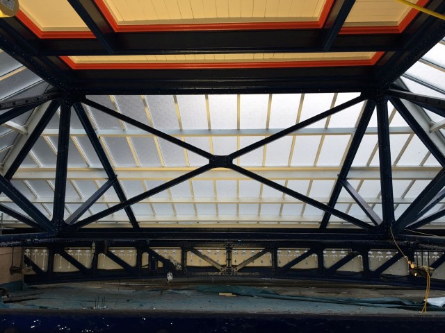 The Georgian wired polycarbonate offers great light diffusion